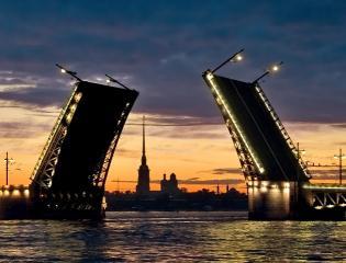 Приезжие предпочитают Москве Северную столицу